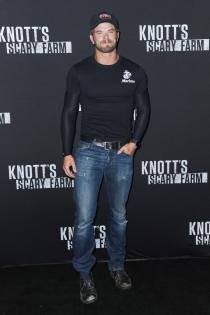 Kellan Lutz, muy guapo con barba