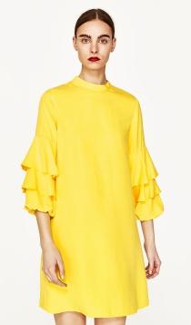 Vestidos de invitadas de ZARA: apuesta por el amarillo en 2017