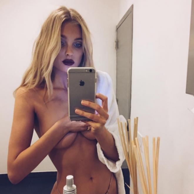 Elsa Hosk Desnuda Y Divina En Un Selfie De Instagram