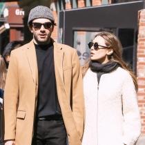 Parejas inesperadas: Elizabeth Olsen y Robbie Arnett