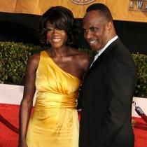 Viola Davis, divina con su marido en la red carpet