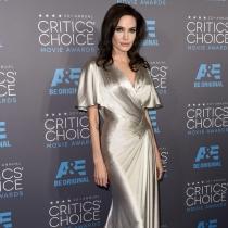Famosas que cambiaron hombres por mujeres: Angelina Jolie