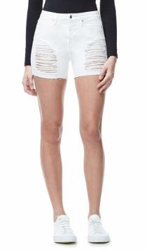 Shorts de Good American: la versión en blanco