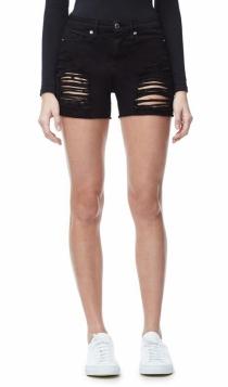 Shorts de Good American: un diseño negro con aberturas