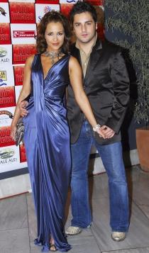 Bustamante y Paula, con dos looks indescriptibles