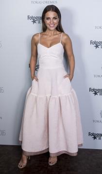 Vestidos de novia: Paula Echevarría y su traje de boda moderno