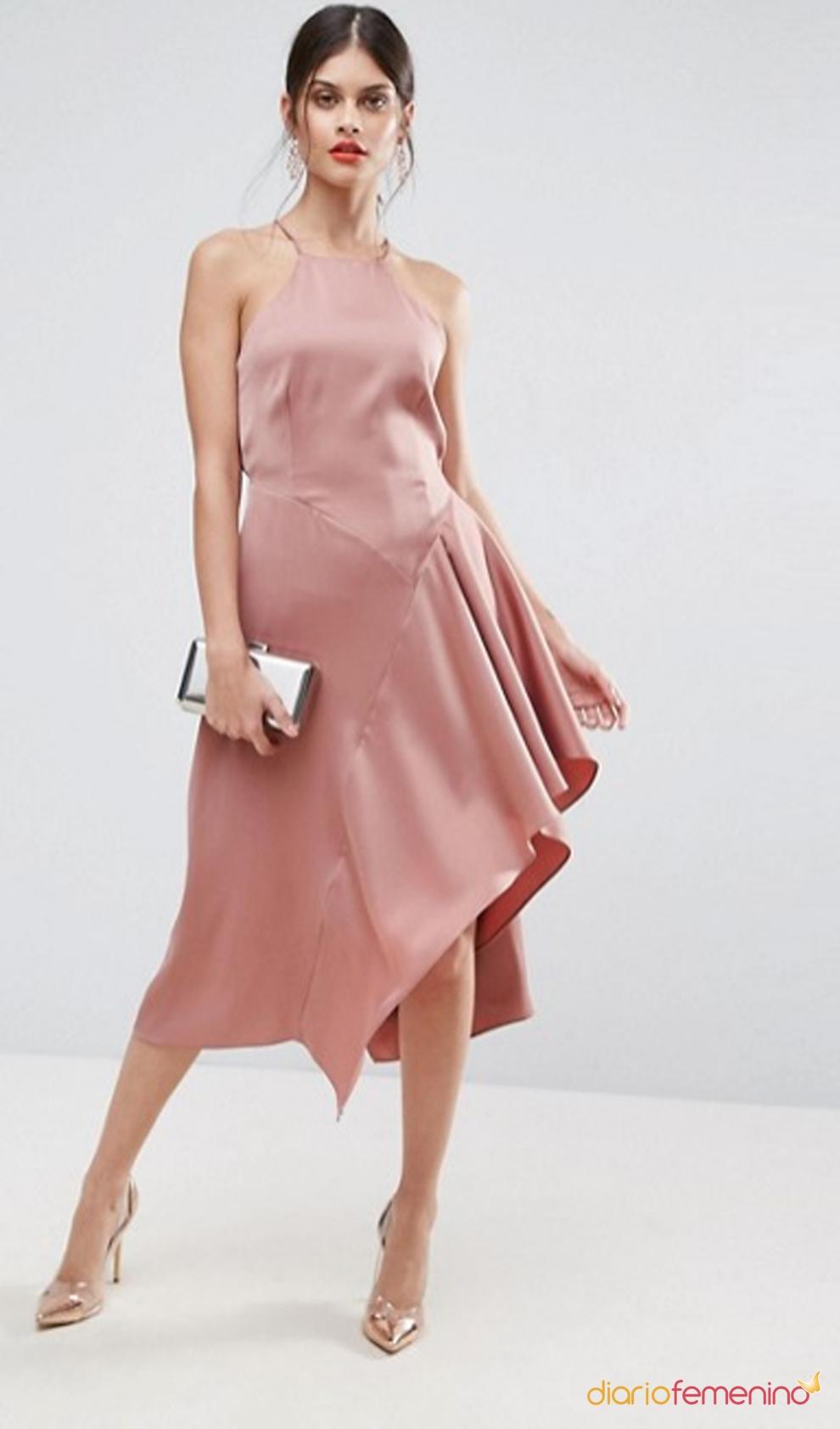 Vestidos de comunión para mamás: un diseño sexy de ASOS