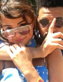 Selena Gomez y The Weeknd, amor en las redes