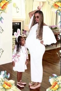 Beyoncé con otro de sus looks de embarazada