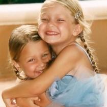 Gigi y Bella, amor de hermanas