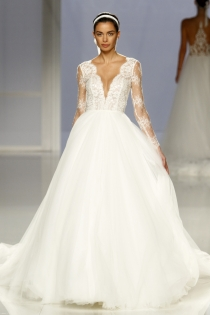 Vestido de novia de Rosa Clará: Tul y lencería