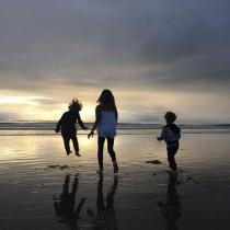 Las idílicas fotos de Alessandra Ambrosio con sus hijos