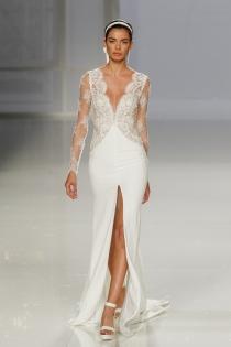 Vestido de novia de Rosa Clará: cuerpo lencero