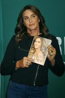 Día del Libro: Caitlyn Jenner, presenta sus secretos en un libro