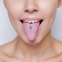 Piercings dolorosos: Piercing en la lengua