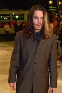 Johnny Depp, muy sexy con melena