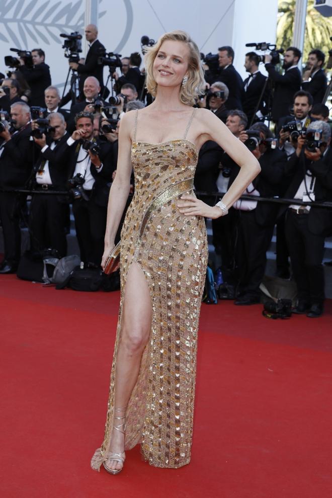 Cannes 2017 eva herzigova cannes 2017 las famosas for Las mejores alfombras