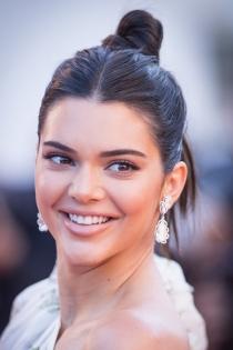Kendall Jenner, no sin mi moño