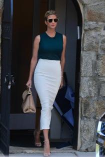 Ivanka Trump luce curvas