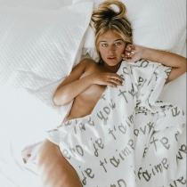 Laura Escanes, sexy recién levantada