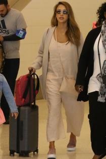 Jessica Alba, look para los viajes