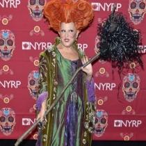 Bette Midler se disfraza de ella misma para Halloween