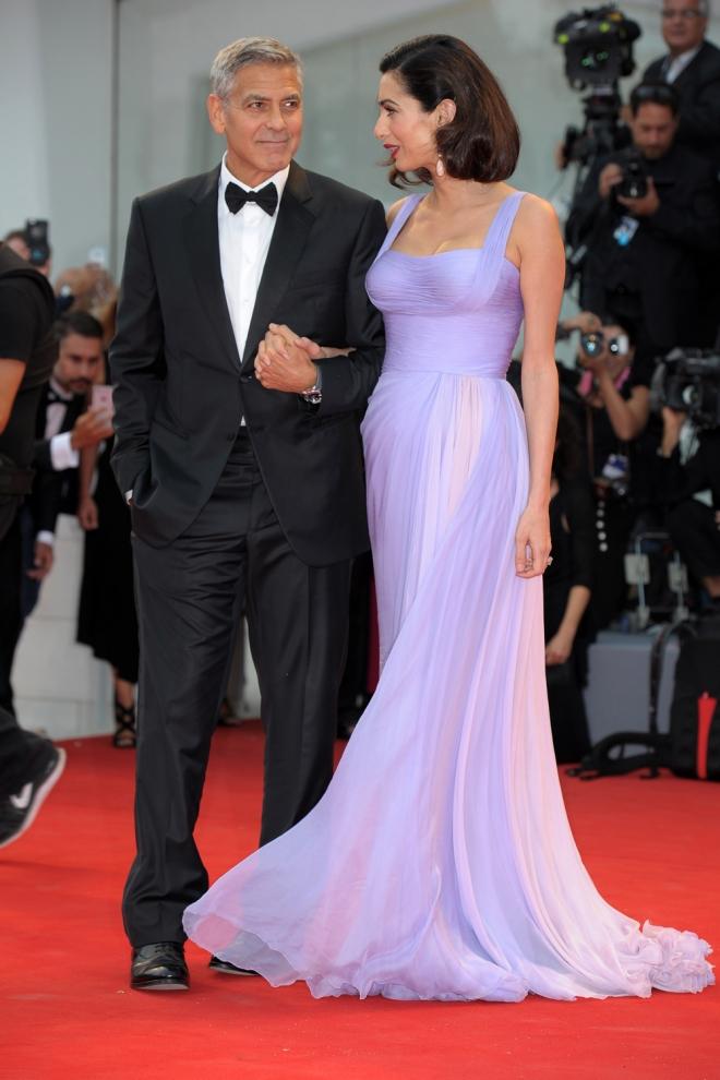 Amal y George Clooney lucen en el Festival de Venecia