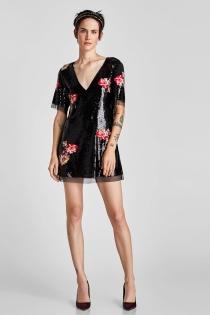 Sensual vestido negro de flores de ZARA para brillar
