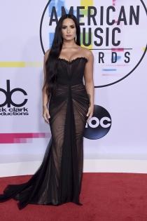 Famosas en los AMAs 2017: Demi Lovato