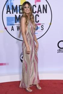 Famosas en los AMAs 2017: Heidi Klum