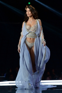 Victoria's Secret show 2017: Bella Hadid