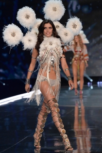 Victoria's Secret show 2017: Sara Sampaio
