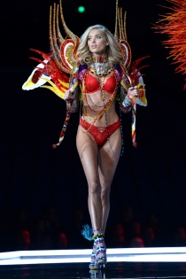 Victoria's Secret show 2017: Candice Swanepoel