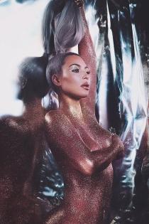 El desnudo brillante de Kim Kardashian