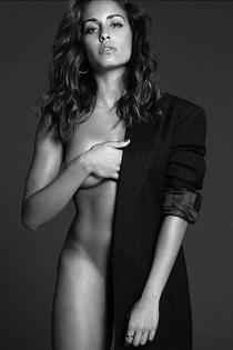La foto desnuda de Hiba Abouk en Instagram