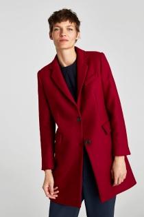 Abrigo rojo de ZARA, ¡el capricho de la temporada!