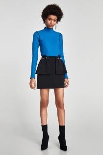 Un look de ZARA para la oficina: falda negra y jersey