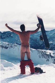 Arturo Valls, desnudo en la nieve