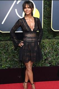 Globos de Oro 2018: Halle Berry deslumbra con un vestido corto de encaje