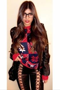 La mirada seductora de Mia Khalifa enciende a sus seguidores en Instagram