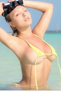 Daniella Chavez: súper sexy en bikini