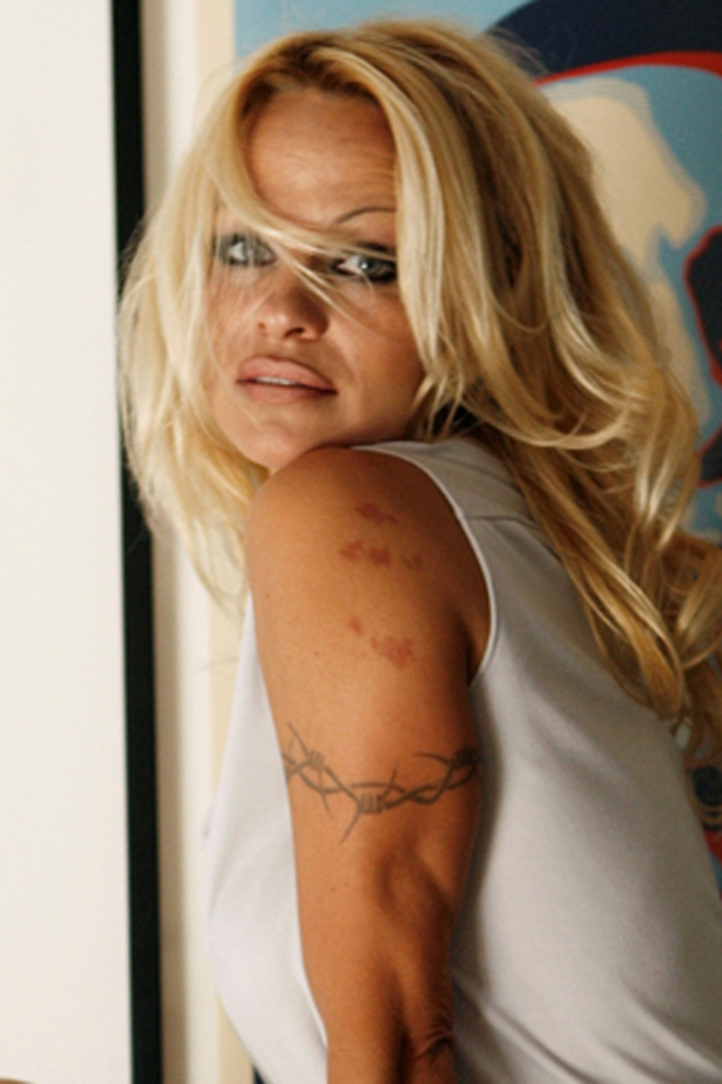 Famosas que son Cáncer: Pamela Anderson