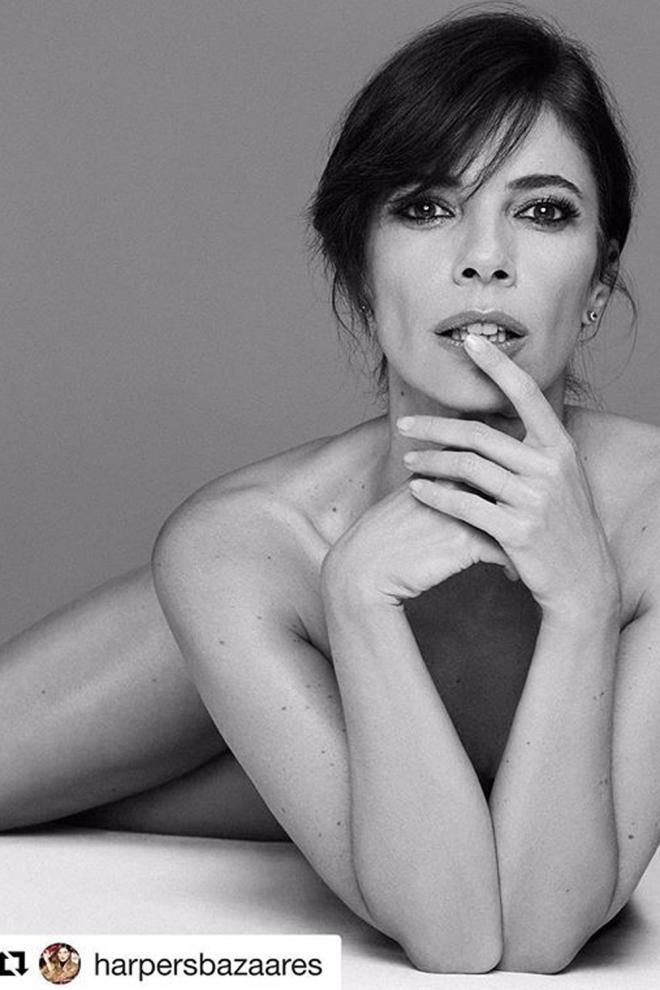 Maribel Verdú, completamente desnuda para Harper's Bazaar