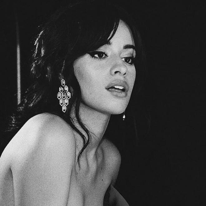 La Pose Más Sensual De Camila Cabello
