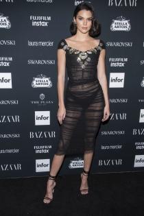 Kendall Jenner, una fan de los vestidos transparentes