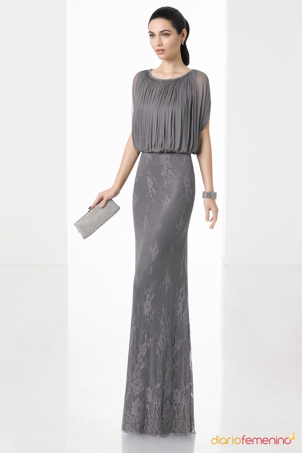 sencillez con este vestido de boda para la madre la novia