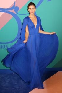 Sara Sampaio y su vaporoso vestido de fiesta