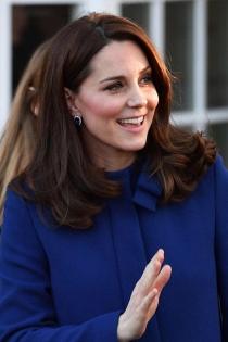 El azul sienta muy bien a Kate Middleton durante su embarazo