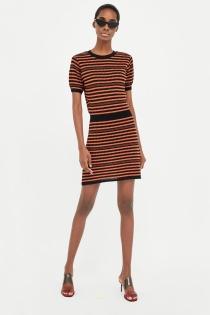 Vestido de ZARA para chicas que no temen las rayas