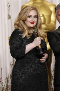 El Oscar a la música de Adele